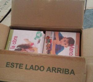 caja con libros para embalaje